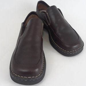 Born Hand Crafted M/W Size 10 Brown Slip on